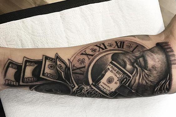 Тату деньги на руке