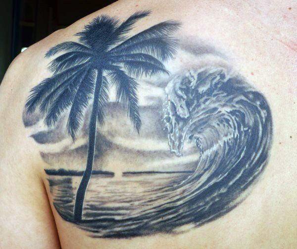 Тату пальма и волна наспине