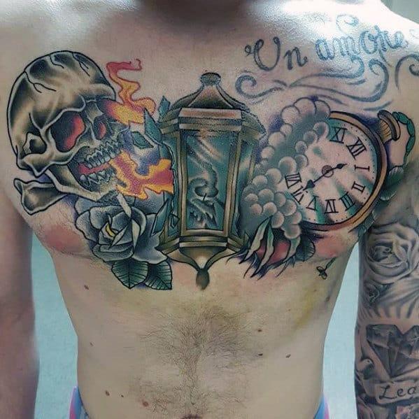 Татуировка фонарь на груди у парня