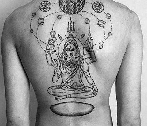 Татуировка Шива на спине у парня
