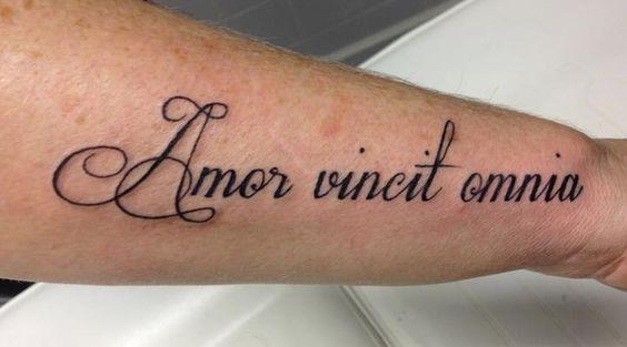 Татуировки надпись