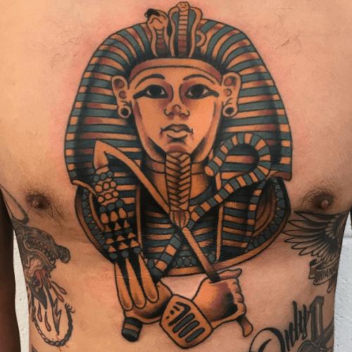 фото тату фараон на груди