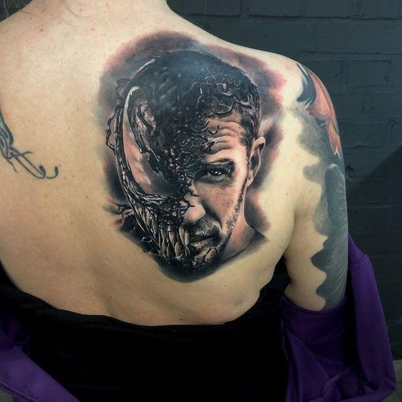 Татуировка Веном на спине