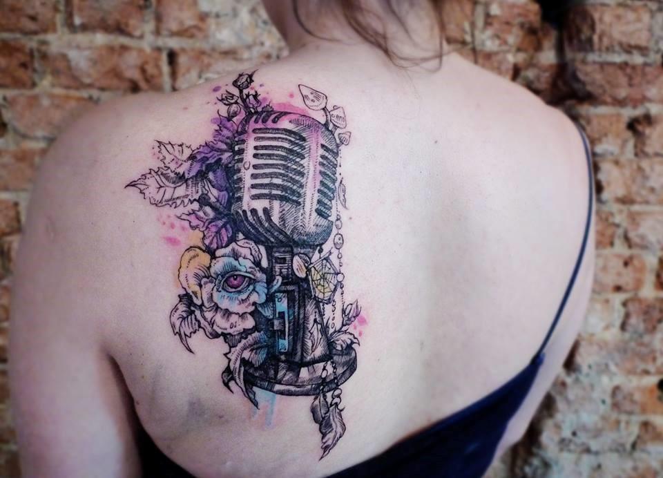 Татуировка микрофон