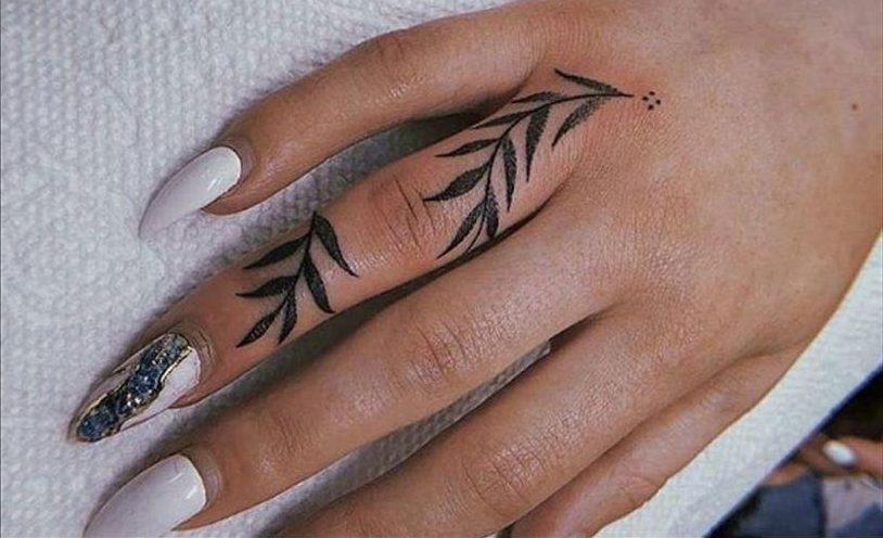 Фото и значение татуировок на пальцах рук