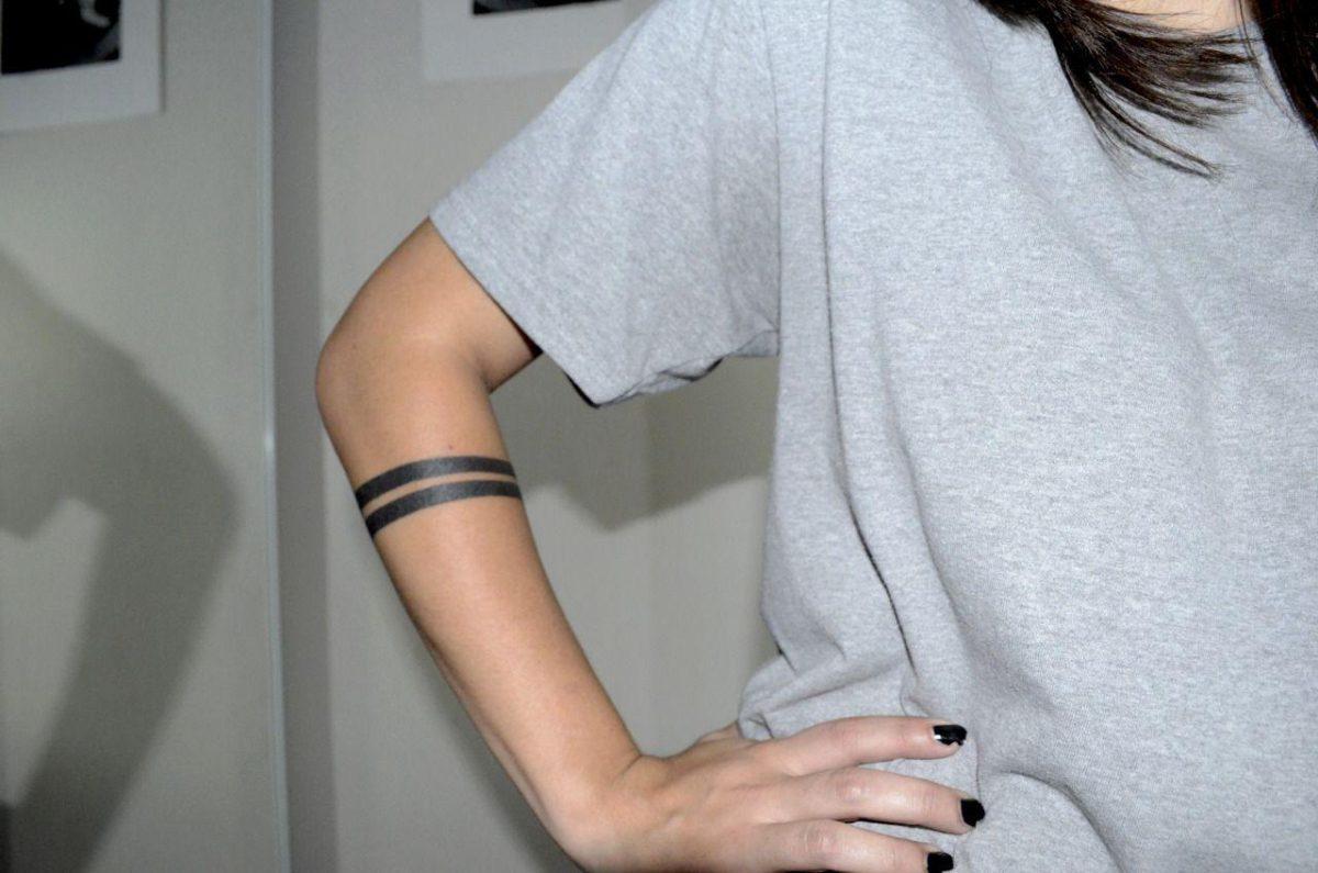 Фотографии татуировок две полоске на руке