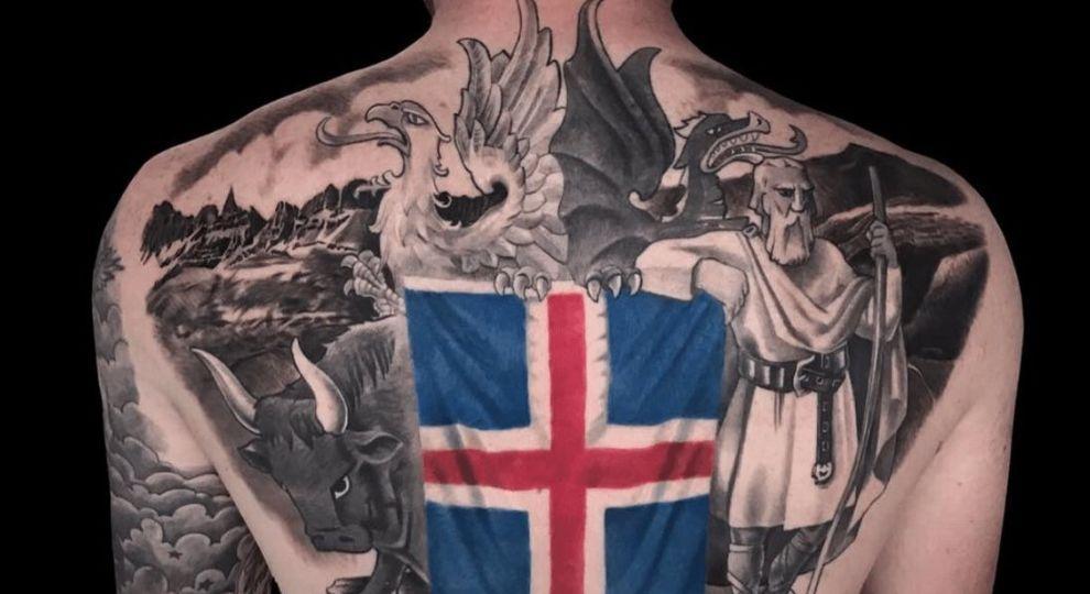 Тату флаг на спине