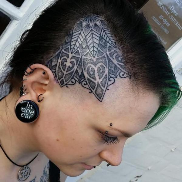 Тату в стиле Геометрия голова девушки