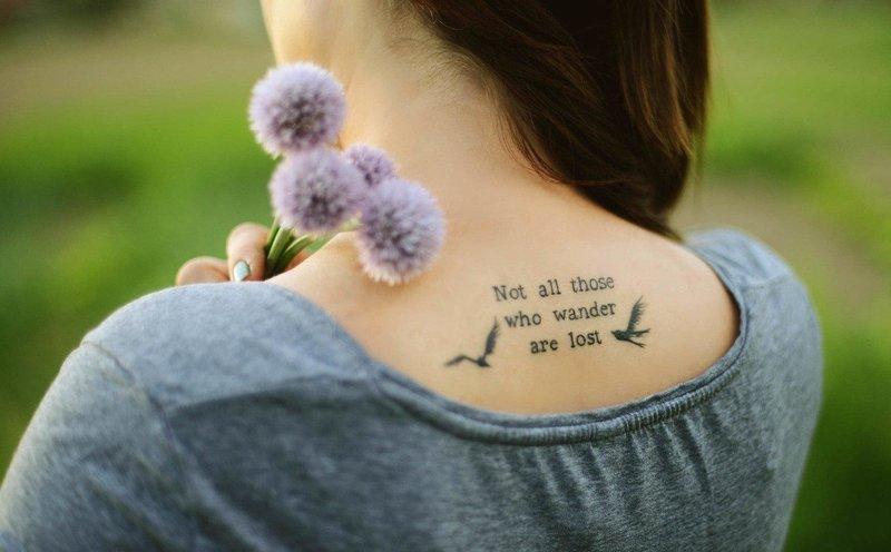Фотографии татуировки надписи о жизни