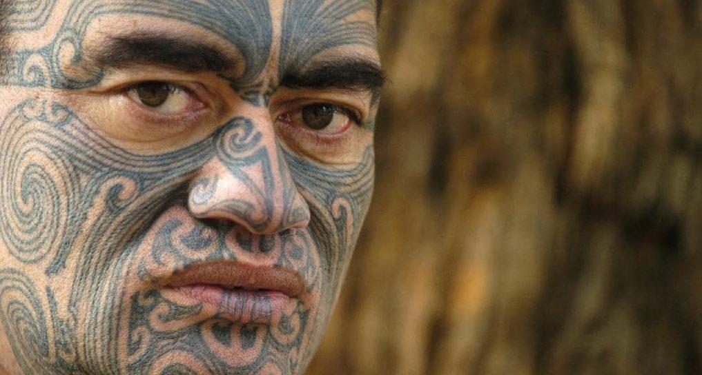 Тату племени Майя и ацтеков лицо мужчины