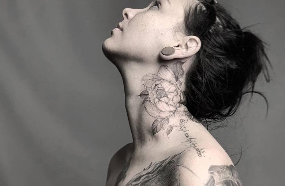Татуировки на шее для смелых девушек и парней